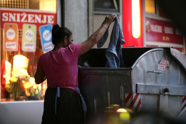 PA, ŠOU! Beograd dobija pametne kontejnere s internetom!