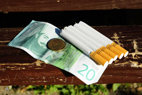 OD 1. JULA POSKUPLJUJU CIGARETE U SRBIJI: Koliko će koštati paklica?
