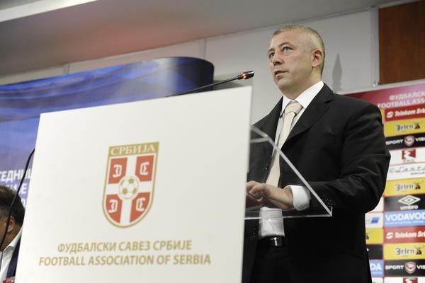 Slaviša Kokeza se oglasio povodom novog pravila u srpskom fudbalu! (FOTO)