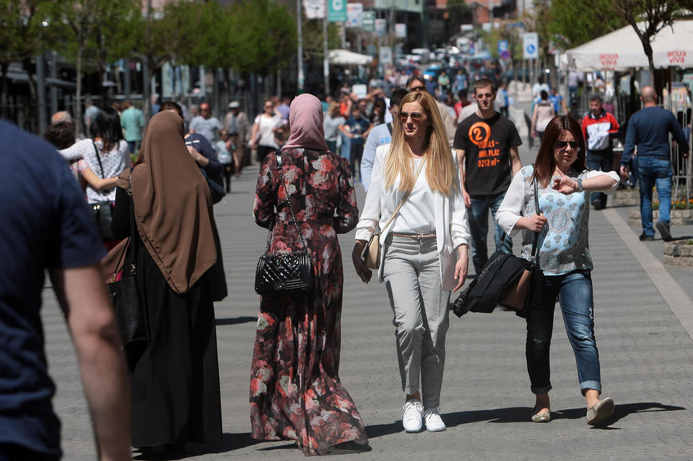 ERDOGANE, SLUŠAJ OVO! Pitali su građane Novog Pazara vole li više EU ili Tursku! (VIDEO)
