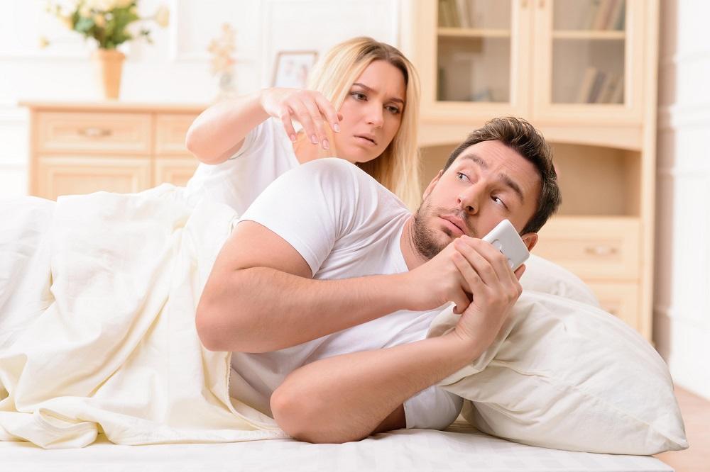U ovim godinama muškarci i žene najviše varaju partnera! (FOTO)