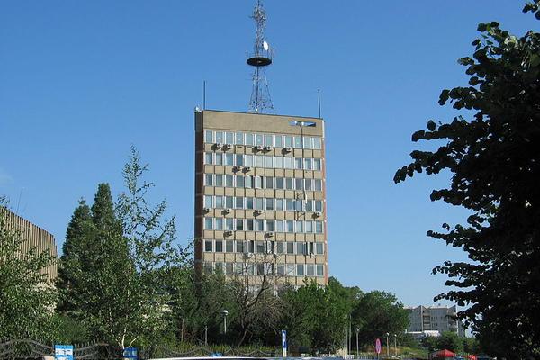Odjeknula snažna eksplozija u dvorištu zgrade Radio-televizije Kosova!