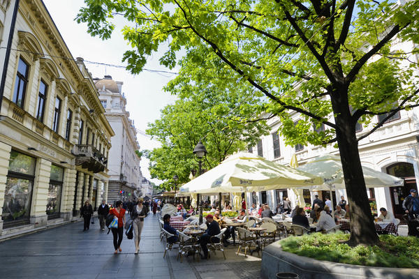 Kafić u Palmotićevoj zauzeo ceo park: Evo o čemu se radi! (FOTO)