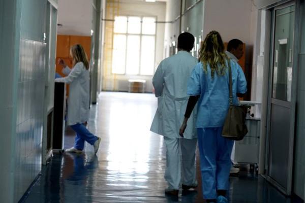 DEVOJČICA (2) iz Svilajnca PREMINULA od upale pluća! (FOTO)