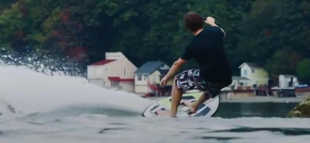 Culi-ste-za-skijanje-na-vodi-i-kajtsurfing-ali-ne-i-za-surfovanje-sa-dronom-VIDEO