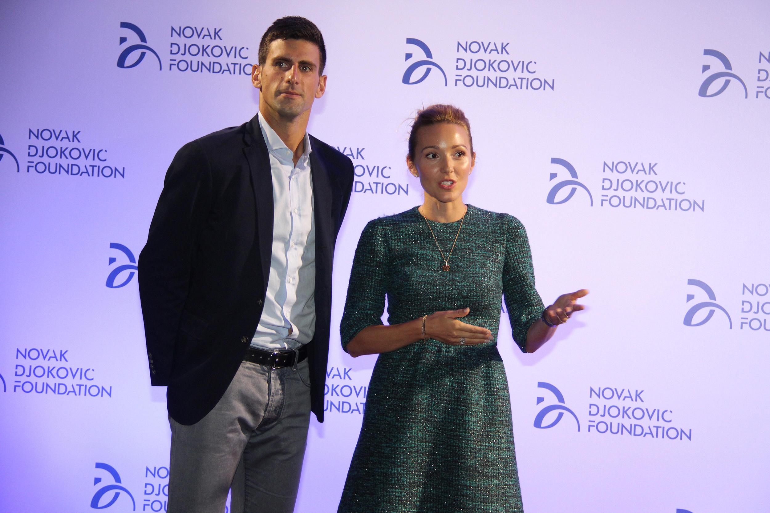 Djokovici-ocarali-modne-kriticare-u-Italiji-ali-jednu-stvar-na-Jeleni-ni-oni-ni-niko-drugi-do-sada-nije-primetio-FOTO