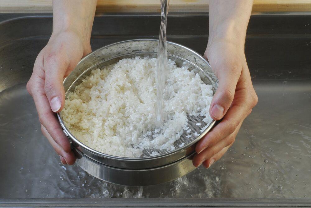 Pirinčana voda