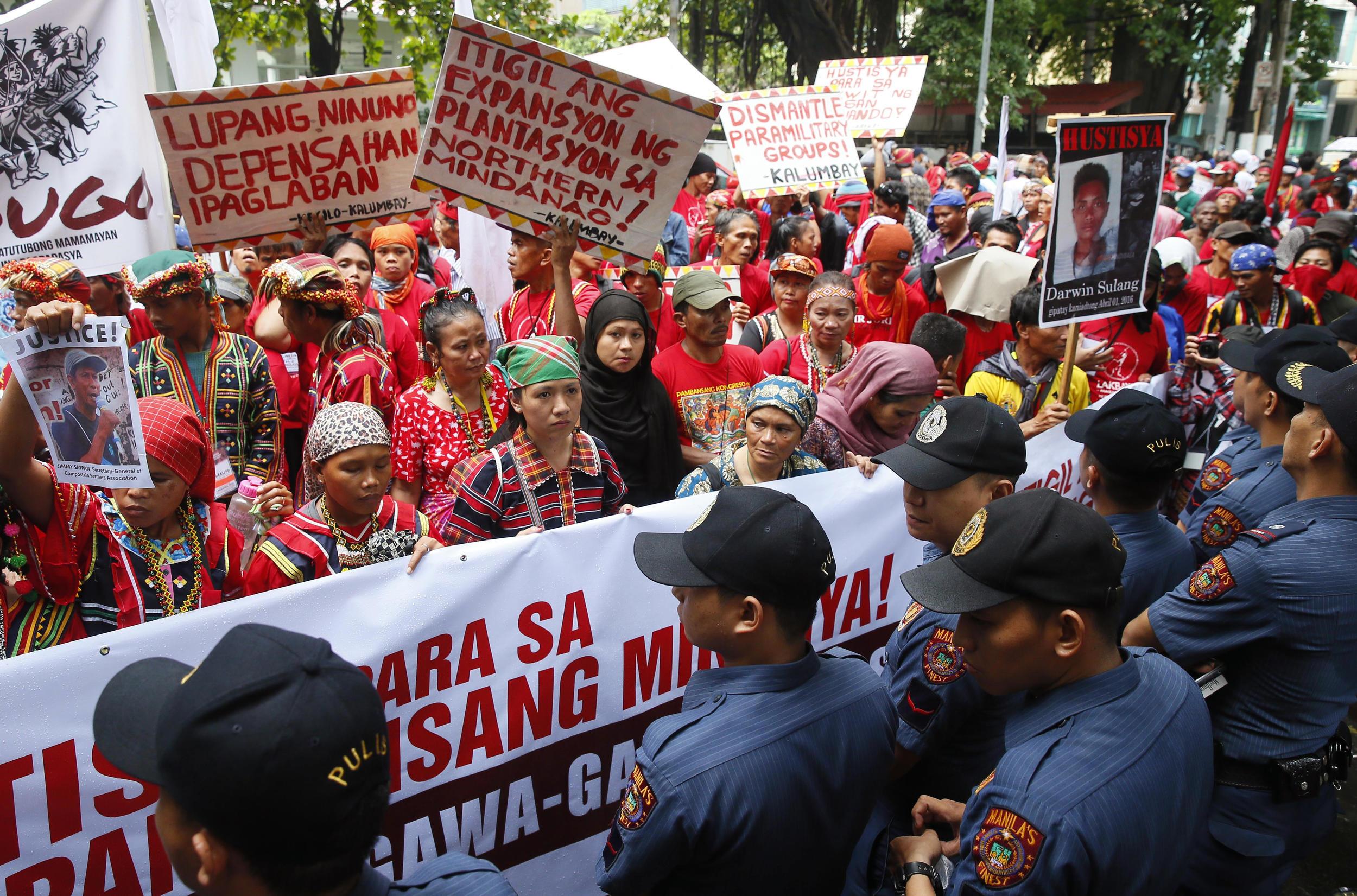 Haos-u-Manili-protesti-protiv-SAD-pregazeno-troje