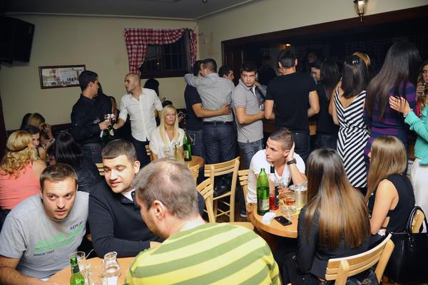HRVAT O 10 STVARI ZBOG KOJIH MORATE DA POSETITE BG: Pijani su non-stop, a i vi biste bili!