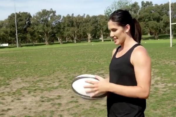 BUDUĆNOST JE STIGLA: Šutneš loptu 50 metara, a ona ti se sama vrati! (VIDEO)