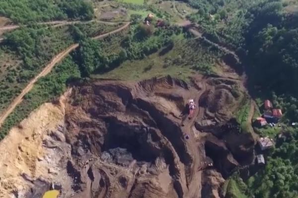 """NEMA OBUSTAVE: Nesmetan rad rudnika """"Resavica"""" posle hapšenja direktora! (FOTO)"""
