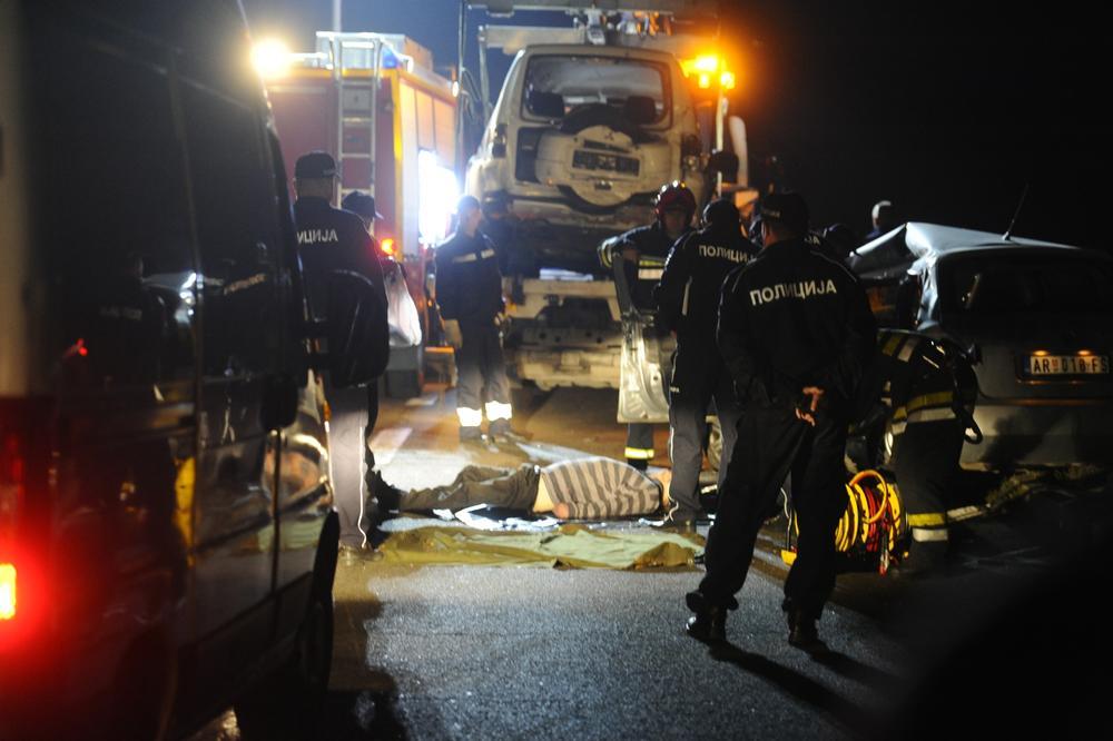 BURNA NOĆ: Saobraćajka na Zvezdari, poginuo mladić na Zrenjaninskom putu!