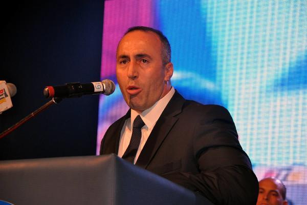 """DVONEDELJNOJ BEBI PUCALI SU U TELO I ODSEKLI GLAVU! Ovo je samo jedan od zločina """"slobodnog čoveka"""" Ramuša Haradinaja!"""