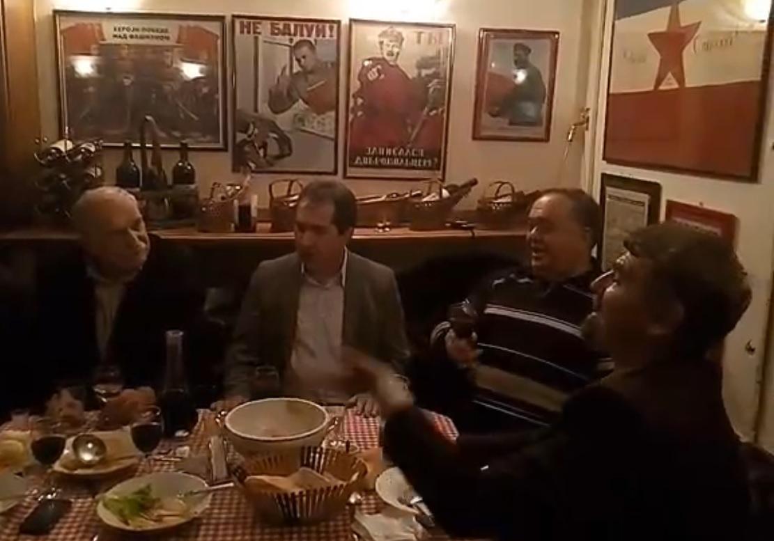 Druze-Lolo-nase-rosno-cvece-omladina-za-tobom-se-krece-Pioniri-od-70-i-kusur-proslavili-29novembar-kao-nekad-VIDEO