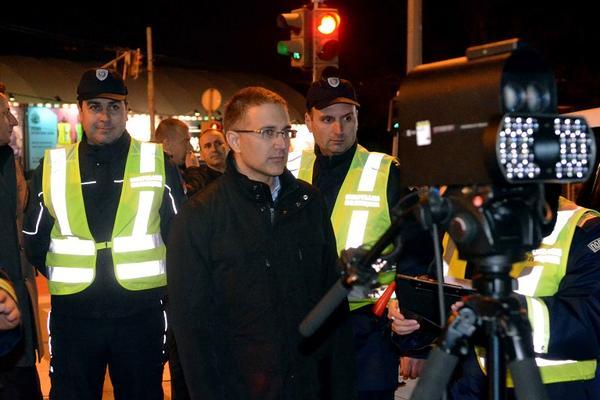 Stefanović i policija češljali BG ulice sinoć: Uhapšeno pola Beograda! (FOTO)