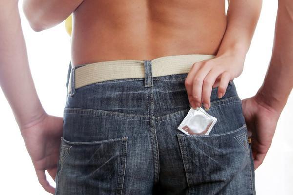 ZA POLA NE ZNATE: Evo šta sve možete sa kondomom! (FOTO)
