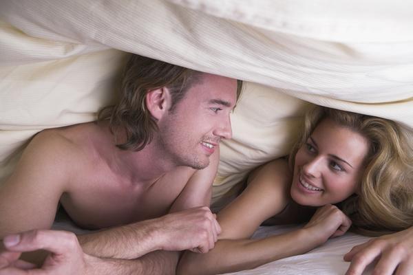 7 razloga zašto je zima najbolje godišnje doba za seks! (FOTO) (GIF)