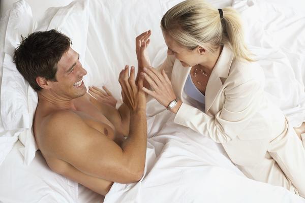 7 stvari za koje muškarci misle da pale žene, ali definitivno nije tako (FOTO) (GIF)