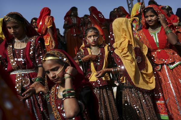 BRUTALNO UBISTVO: Indijku porodica mučila, terali je da jede izmet i iskopali joj oči!