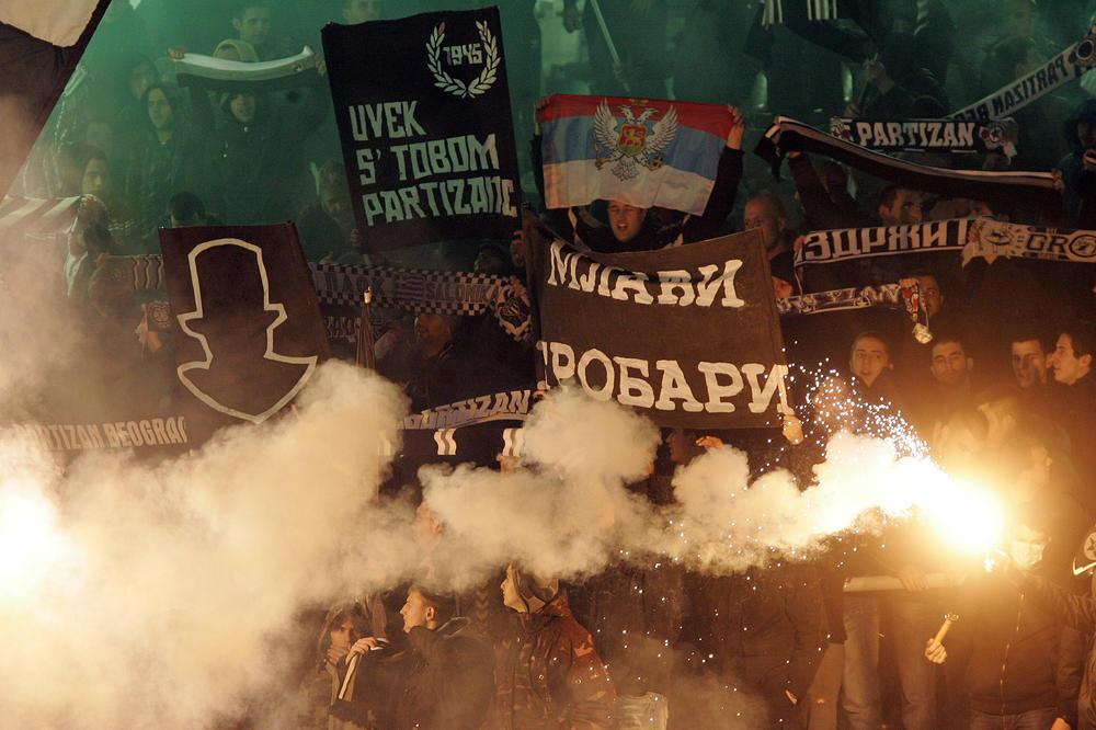 OŠTRO SAOPŠTENJE! Grobari zahtevaju ostavku uprave i žele da na čelu kluba vide ove ljude! (FOTO)