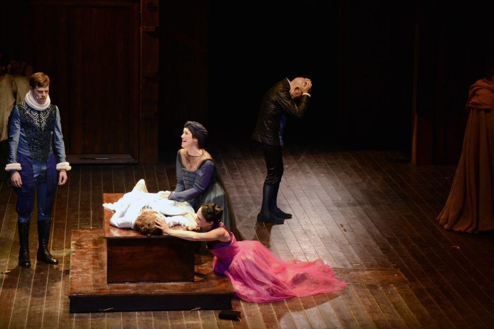 Šekspir je skroz COOL! Režirajte sami SVOJU VERZIJU ROMEA I JULIJE! (VIDEO)