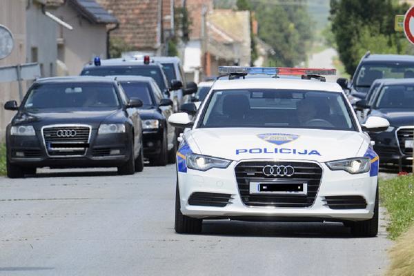 PRONAĐEN LEŠ DEVOJČICE (14), UHAPŠENO NEKOLIKO MUŠKARACA: Hrvatska na nogama posle užasnog zločina