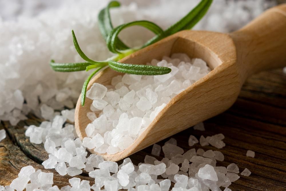 Koja je razlika između obične i himalajske soli? Koja je zdravija i zašto? (FOTO) (GIF)
