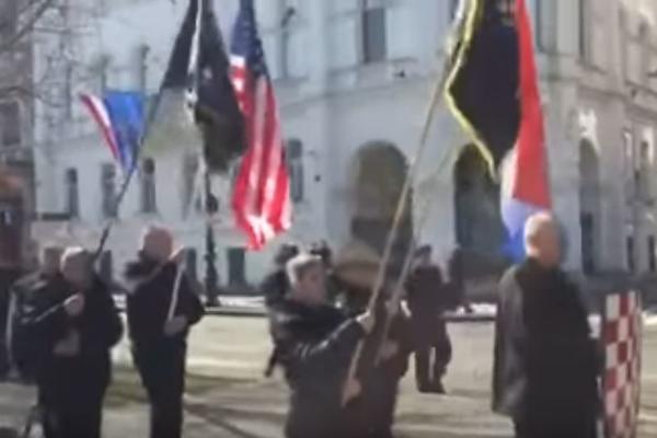 """Opet ustaška parada u Zagrebu! Neonacisti marširali i urlali """"Za dom spremni"""" slaveći Trampa! (VIDEO)"""