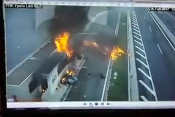 Jeziva nesreća: Sin tajkuna se zakucao u majku i dete, oba automobila eksplodirala! (VIDEO)