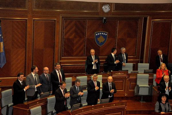 SKANDAL NAD SKANDALIMA! Priština svu imovinu Srbije registrovala na Kosovo!