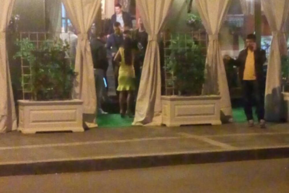 ESPRESO NA MESTU NAPADA NA PECONIJA: Policajci pretresli silikonske lepotice, devojku u žutoj haljini odveli! (FOTO)