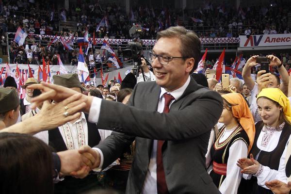 USLIKAN NA AERODROMU? Vučić na miting u Nišu iz Beograda stigao AVIONOM! (FOTO)