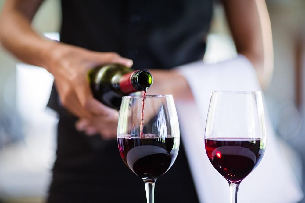 6 razloga zašto je tako dobro piti crno vino! (FOTO) (GIF)