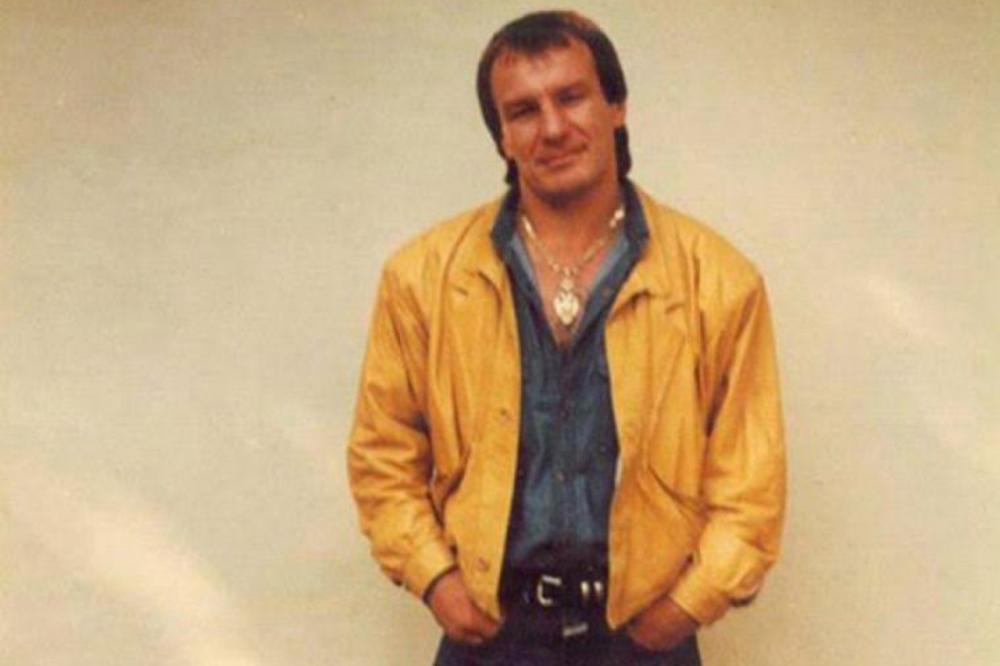 PLAŠILI SU SE DA OBJAVE OVU FOTKU! Ćelavi LJUBA ZEMUNAC u crnogorskom zatvoru! Jedan detalj je neizostavan! (FOTO)