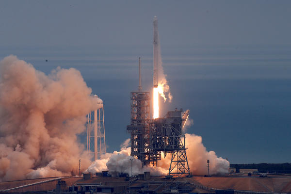 Svemirska raketa prvi put lansirana sa privatne lokacije!