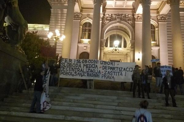 Vrati babi penziju: OVAKO JE GRMEO CEO BG! Demonstranti stigli do cilja i najavili nove proteste! (FOTO) (VIDEO)