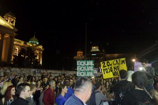 NEĆEMO DA BUDEMO JEFTINA RADNA SNAGA: Demonstranti prošetali gradom, nova šetnja zakazana za sutra u 6! (FOTO) (VIDEO)