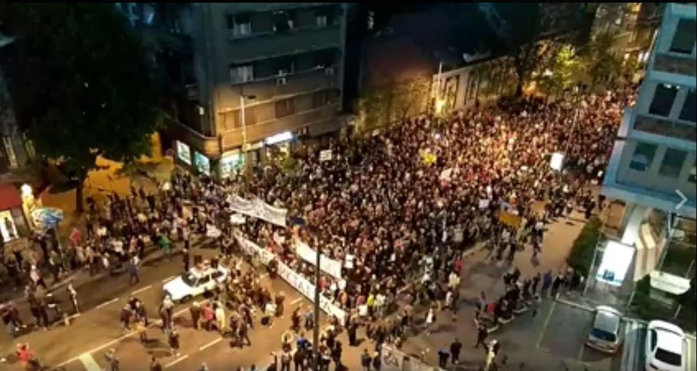 ja ho�u Život demonstranti su zastali ispred rts i