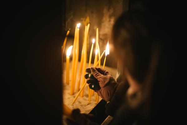 NIŠTA IM NIJE SVETO: Odmah posle Uskrsa uleteli u 2 crkve u Vranju i odneli gomilu para!