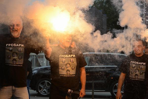 NAVIJAČKA FEŠTA! Grobari okupirali Niš! Bakljade, korteo, pesma! Kakva podrška! (FOTO) (VIDEO)