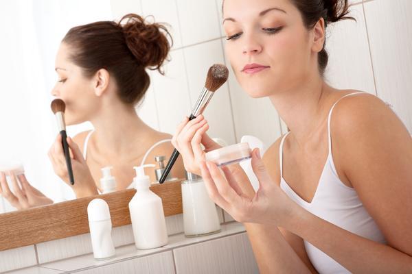 DEVOJKE PAZITE: Kada imate herpes šminka vam je neprijatelj! (FOTO) (GIF)