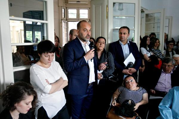 NOVI PLAKATI PROTIV JANKOVIĆA: Desničari ostavili poruku pokretu, lažni pozivi za izgradnju džamija! (FOTO)