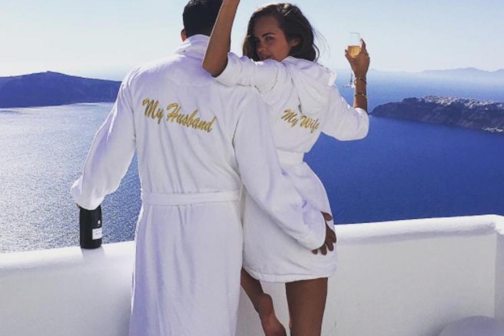MRAČNA STRANA BOGATSTVA: Lepa Ksenija i egipatski milioner proslavili prvu  godišnjicu braka, ali primećujete li nešto
