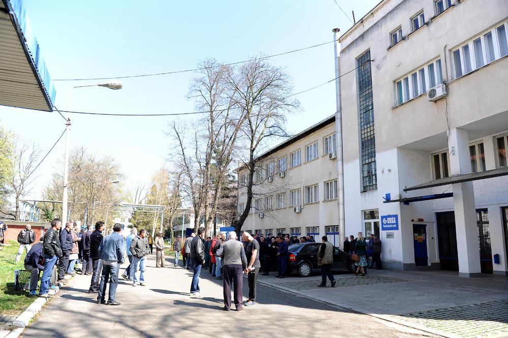 """KAKVA PLATA, EVO VAM PO 100 DINARA: Radnici """"Goše"""" u čudu nakon najnovijeg poteza rukovodstva!"""