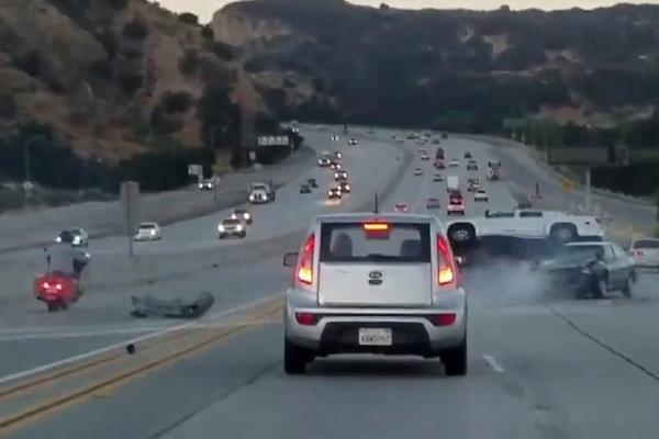 Čarka na drumu prerasla u stravičan udes: Krivac utekao, nadrljao skoz nevin (VIDEO)