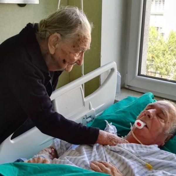 NAJLEPŠA I NAJPOTRESNIJA SLIKA IZ SRBIJE: Desa (97) je posetila sina Branimira (79) koji je u komi, a potom... (FOTO)
