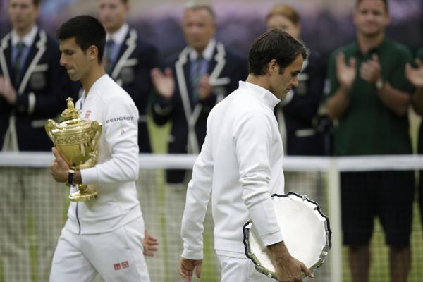 FRANCUZI DOKAZALI: Đoković je prolazio kroz najveći pakao da bi osvajao Gren slemove! Federer je često imao šetnju do trofeja!(FOTO)