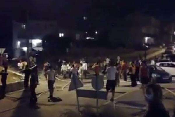Torcida i Bed Blu Bojsi se rame uz rame bore protiv požara: I igrači Hajduka na prvoj liniji borbe protiv vatrene stihije! (FOTO) (VIDEO)