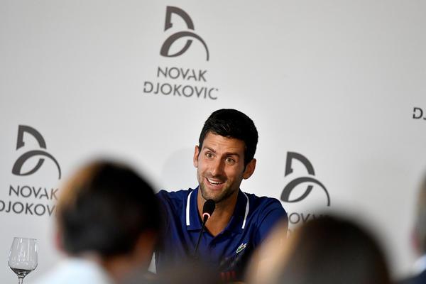 Sponzori verni i povređenom Novaku! (FOTO)