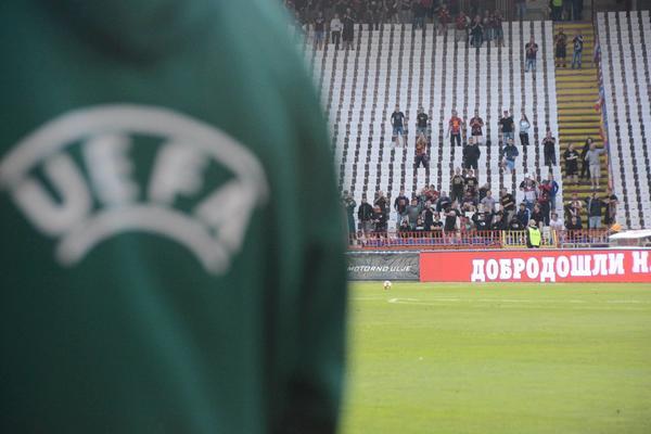 BRAĆA SLOVENSKA! Utakmica nije ni počela, a navijači Sparte su već našli put do srca Delija! (FOTO)